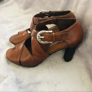 Brighton Italian Leather Vogue Sandals